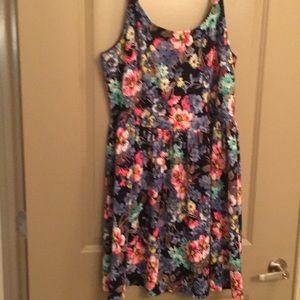 Dresses & Skirts - Floral printed dress.